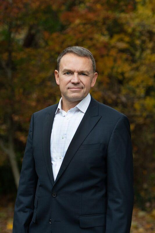 Dr. Scott Henning